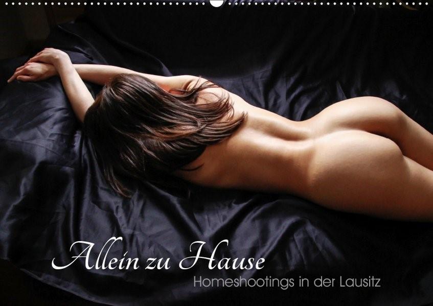 Abbildung von 59 Photography | Allein zu Haus ( homeshootings in der Lausitz ) (Wandkalender 2019 DIN A2 quer) | 1. Edition 2018 | 2018