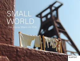 Abbildung von Small World | 1. Auflage | 2019 | beck-shop.de