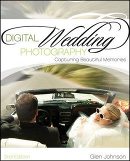 Abbildung von Johnson | Digital Wedding Photography | 2011 | Capturing Beautiful Memories